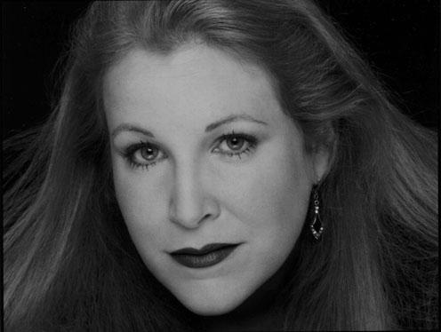 Willkommen auf der Website der dramatischen Sopranistin Dara Hobbs